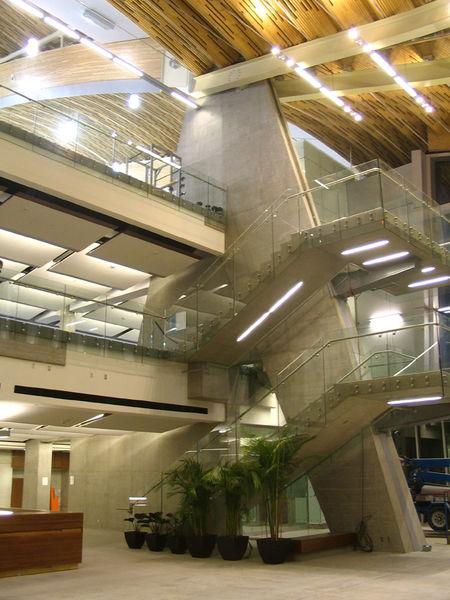 Oval - lobby